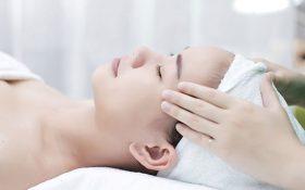 Làn da căng mịn với phương pháp massage da mặt tại nhà