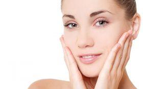 Massage da mặt bằng dầu dừa ngăn ngừa nếp nhăn