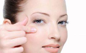 Cách massage làm căng da mặt tự nhiên
